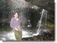 月待の滝の裏